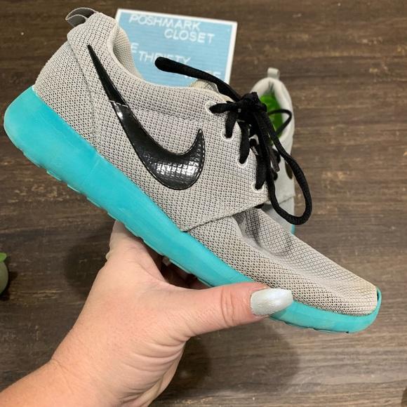 Nike Roshe One Run Calypso Pure Platinum Size 8